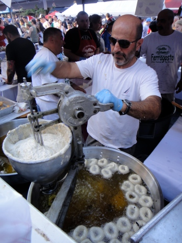 Zeppole being made, Ferragosto Festival, Bronx, NY (c) Winter Shanck, 2014